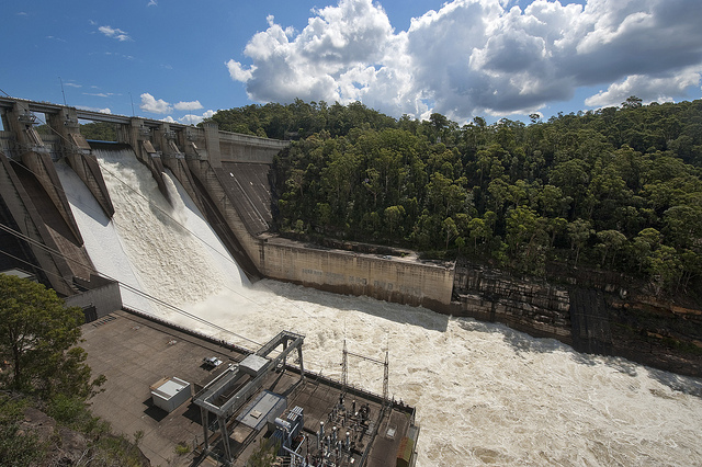 Warragamba Dam spilling image by Sydney Catchment Authority, used under Creative Commons. See https://www.flickr.com/photos/77473963@N03/6960820775